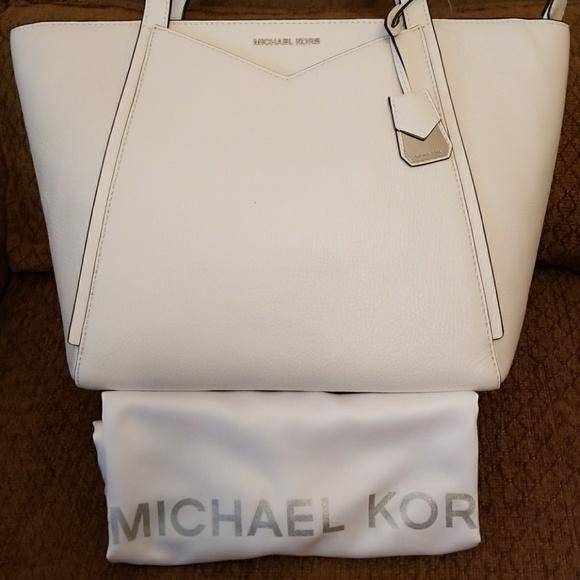 b4c022433ee7d5 Michael Kors Bags | Nwt Whitney Sm Tz Leather Tote | Poshmark